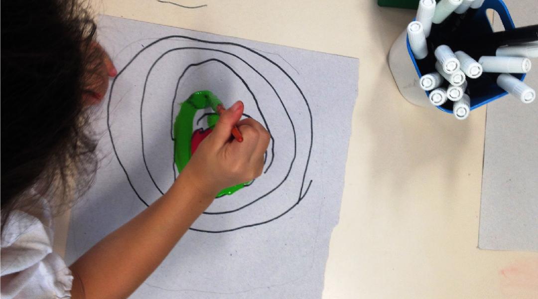 Pintamos en papeles círculos de colores unos dentro de otros