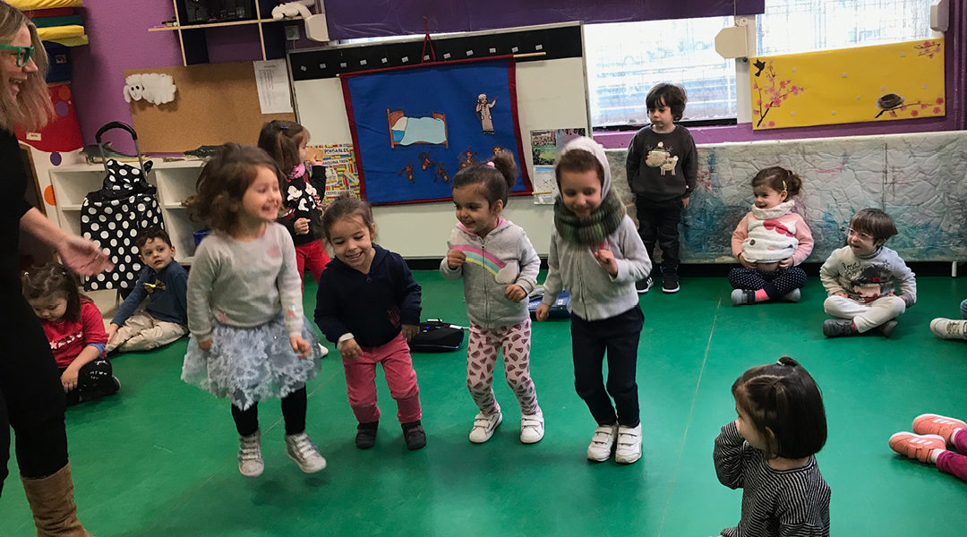 Singing and acting in English classes!