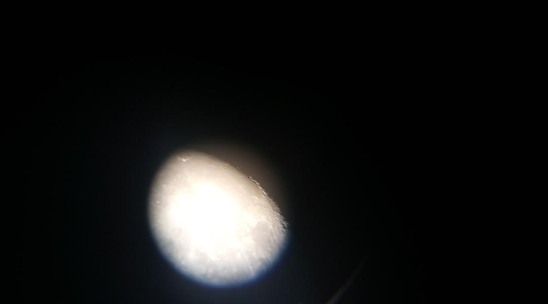 En el parque con el telescopio